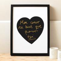 OLD ENGLISH CO. | FRENCH LOVE HEART PRINT (BLACK AND GOLD/WHITE BACKGROUND) | A3 アートプリント/ポスター