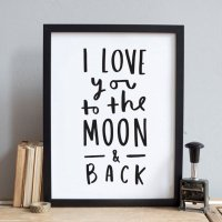 OLD ENGLISH CO. | I LOVE YOU TO THE MOON AND BACK (BLACK AND WHITE) | A4 アートプリント/ポスター