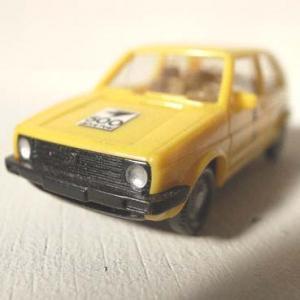 WIKING製 DBP(ドイツ連邦郵便)車両のGolf モデルカー (VW-GOLF)