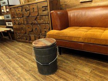 今なら送料無料!レトロなデザイン!天然木(リサイクルウッド)が座面のオシャレなバケットスツール!(シルバ…