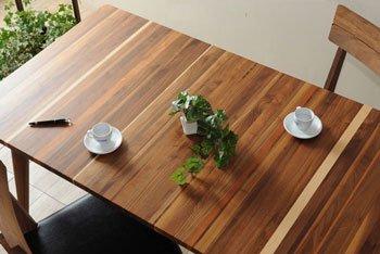 今なら送料無料、木目のグラデーションがきれいな日本製150cm幅ダイニングテーブル!