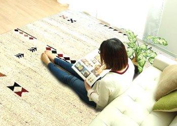 送料無料、柔らかい肌触りのシンプルでかわいいウィルトン織りお買い得なラグ・カーペット 200×250㎝幅