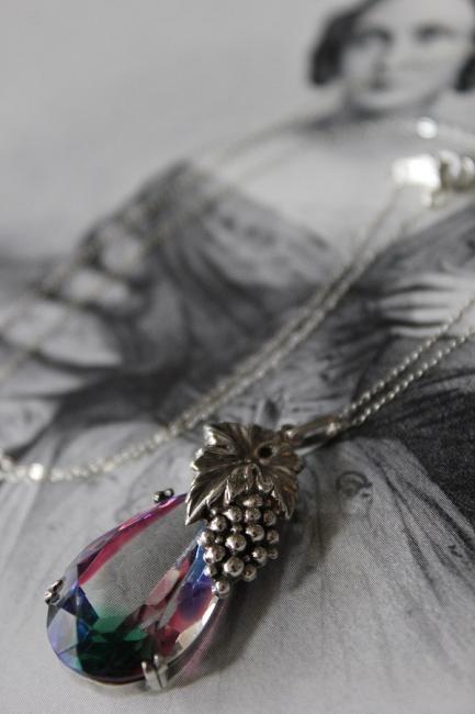 ART DECO/アールデコ アイリスガラス 葡萄飾りシルバーペンダントネックレス