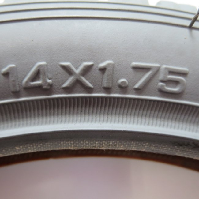 14×1.75 グレータイヤのみ(1本)車いすタイヤ