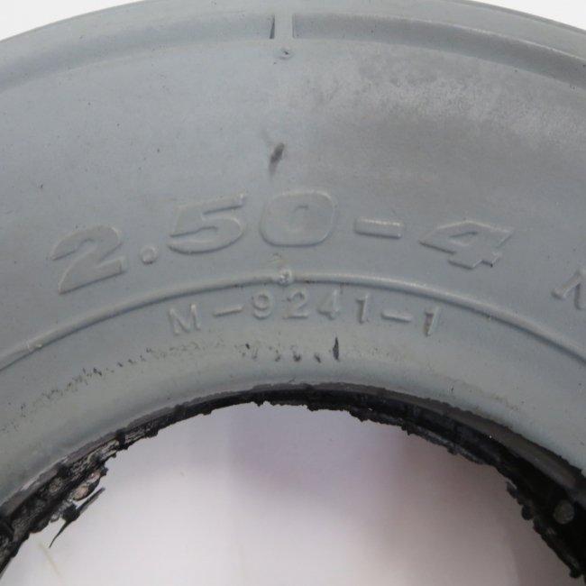2.50-4 グレータイヤ (タテミゾ)