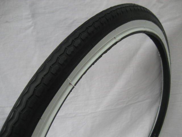 24x1.75 白/黒タイヤ  チューブ (各1本)