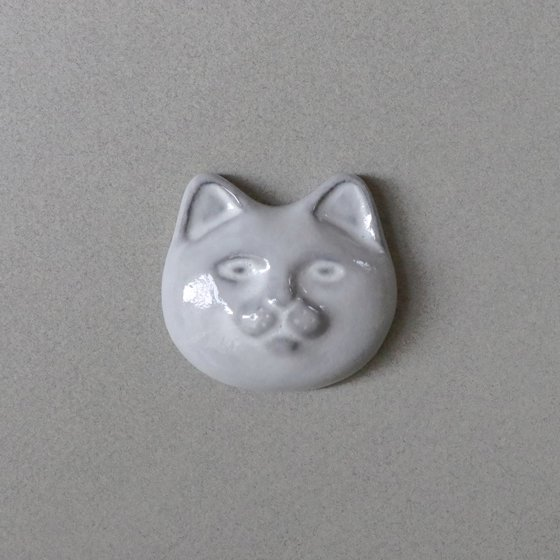 <img class='new_mark_img1' src='https://img.shop-pro.jp/img/new/icons57.gif' style='border:none;display:inline;margin:0px;padding:0px;width:auto;' />necoto THz ceramic plate【cat face / WHT】
