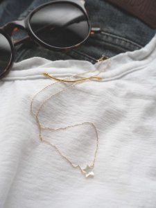 Star Necklace/white