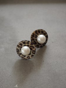 Leopard×Pearl Earrings
