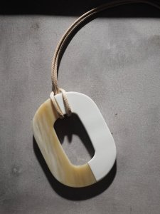 Buffalo Horn×Lacquer Necklace/beige×white
