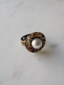 Leopard×Pearl Ring