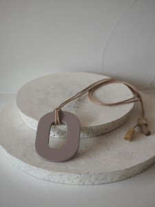 Buffalo Horn×Lacquer Necklace Oval/Taupe