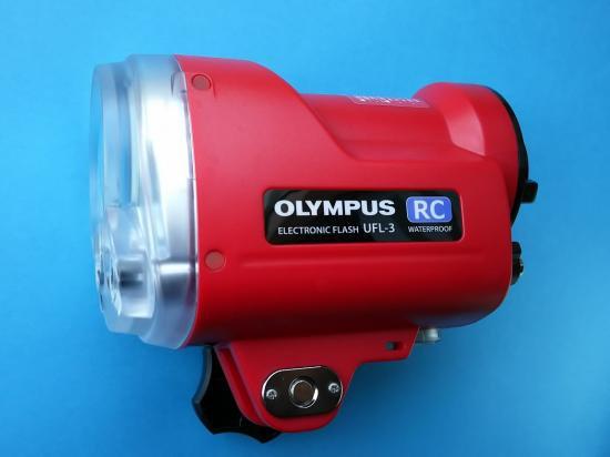 OLYMPUS 水中専用フラッシュUFL-3 ★水中光ファイバーケーブル付き