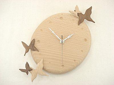 木の時計 蝶