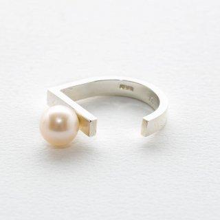 un,deux,trois [un]  pearl rings
