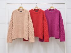 <img class='new_mark_img1' src='https://img.shop-pro.jp/img/new/icons14.gif' style='border:none;display:inline;margin:0px;padding:0px;width:auto;' />UNUSED / Hand kint sweater