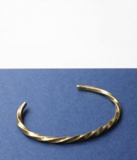 THE SUPERIOR LABOR Narrow Twist Bangle