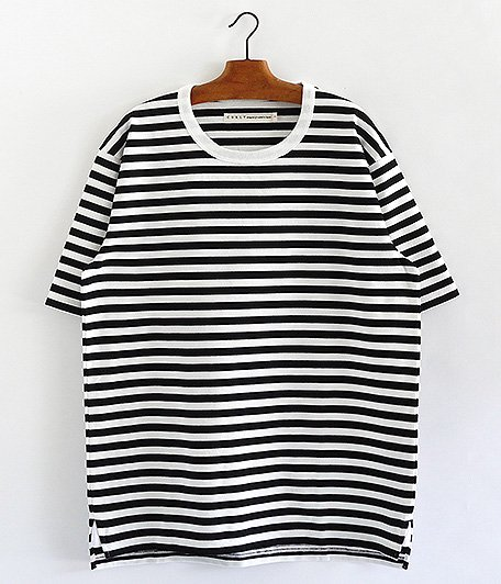 CURLY ADVANCE HS BORDER TEE [WHITE / BLACK]