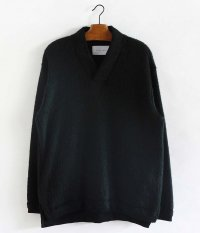 CURLY TRIM SHAGGY SWEATER [BLACK]