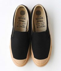 PRAS Shellcap Mould Slip-on [KURO / GUM SOLE]