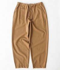 CURLY BRACE WIDE EZ TROUSERS [BEIGE]