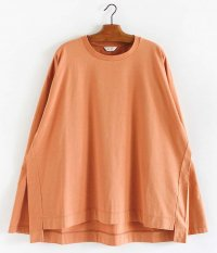 WELLDER Flutter Tail Buck Side Tucked Crewneck [APRICOT]
