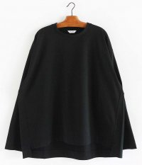 WELLDER Flutter Tail Buck Side Tucked Crewneck [BLACK]