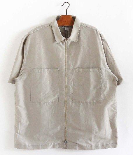 tone Shiny Zip Up Shirt [LIGHT GRAY]