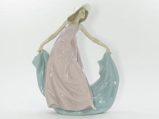 リヤドロ 置物 ■ 春の舞踏 フィギュリン 5663 女性 貴婦人 陶器人形 インテリア オブジェ 艶あり Lladro