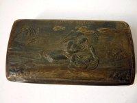アンティーク 嗅ぎタバコ入れ プレス 角製 1800年