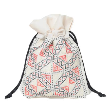 ラオス伝統柄刺繍の巾着袋 (ホワイトM)