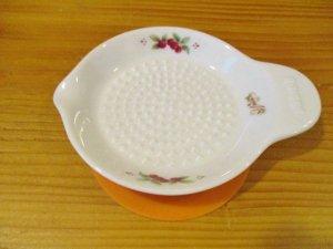 マニーレール・ドゥ・ロココ 陶器ミニしょうがおろし
