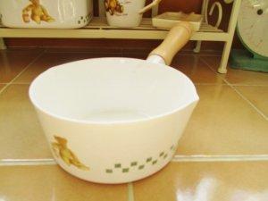 ベア ホーロー ミルクパン(持ち手木製)