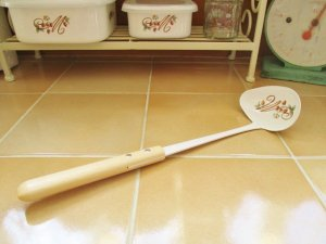 マニーレール・ドゥ・ロココ ホーロー 横口レードル(持ち手木製)