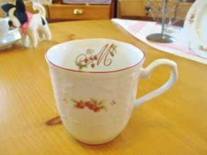 マニー レール・ドゥ・ロココ 陶器  マグカップ(Red)