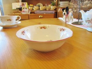 マニーレール・ドゥ・ロココ 陶器 サラダボール(Red)