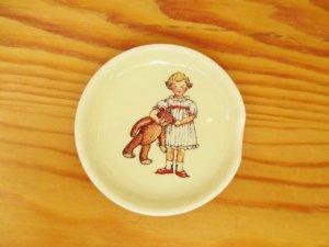 プチメゾン 陶器 スプーンレスト(女の子)