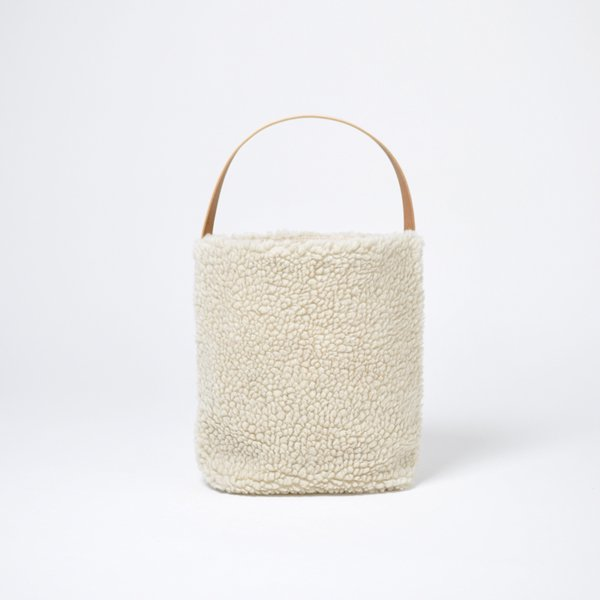 <img class='new_mark_img1' src='https://img.shop-pro.jp/img/new/icons1.gif' style='border:none;display:inline;margin:0px;padding:0px;width:auto;' />BAGUETTE TOTE BOA【season】