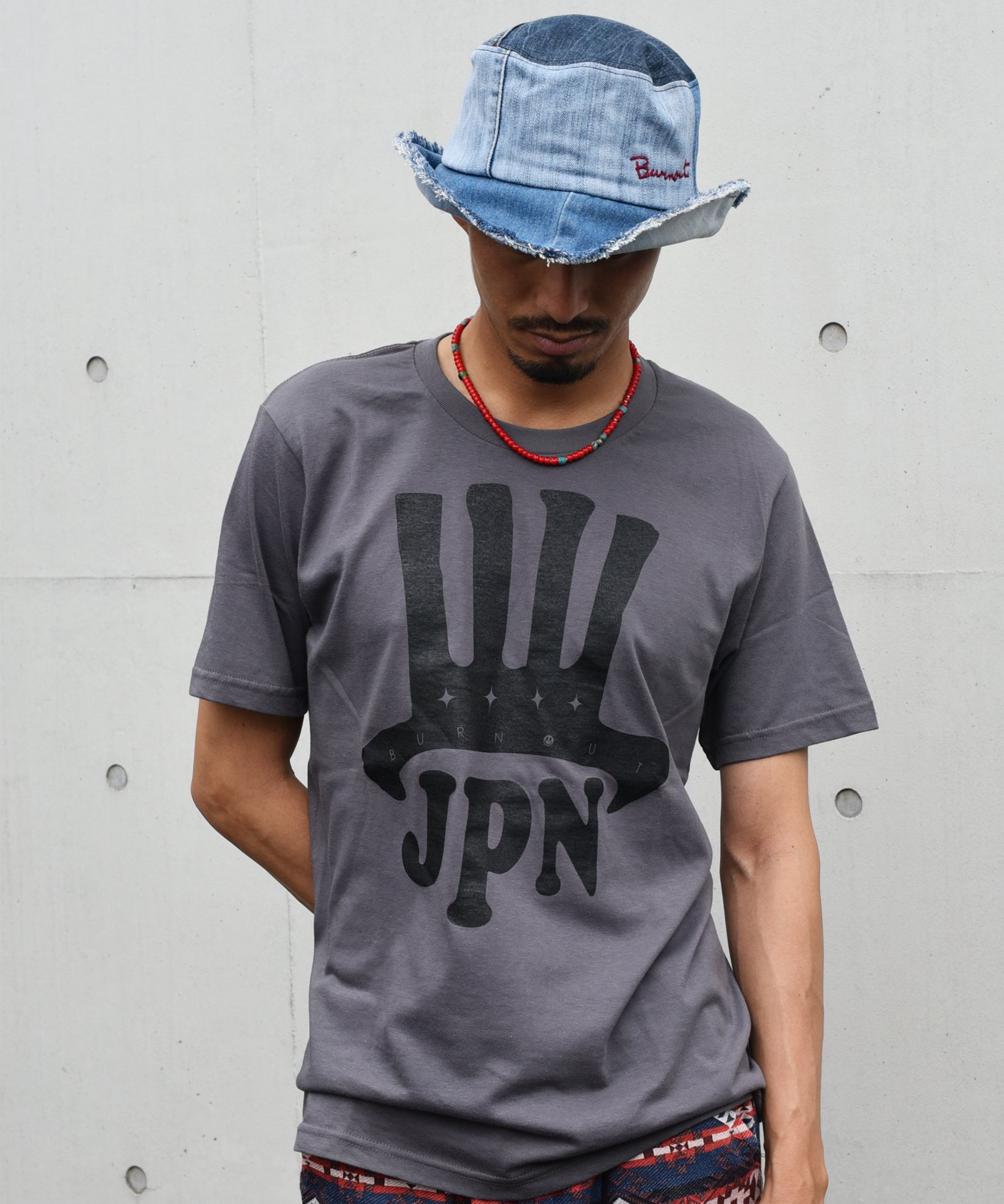 <img class='new_mark_img1' src='https://img.shop-pro.jp/img/new/icons15.gif' style='border:none;display:inline;margin:0px;padding:0px;width:auto;' />Burnout(バーンアウト) JPN T-shirt / チャコール