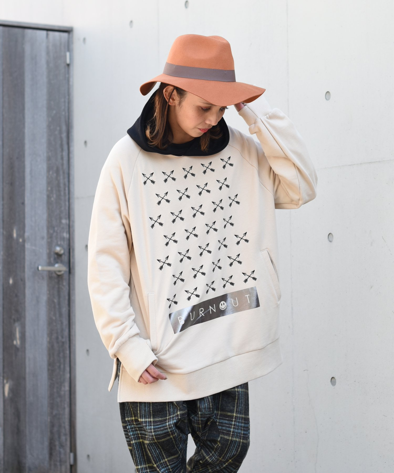 Burnout〔バーンアウト〕 『20/21 Early Spring Collection』 クロスドアローズ ワイドフーディー(Beige)