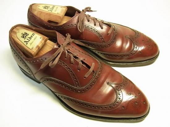 英国靴のような、格好良いヴィンテージシューズ