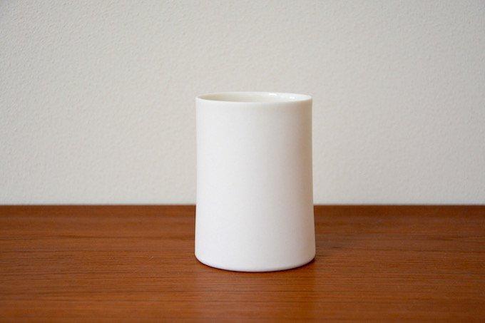 フィンランド陶器作家のティーカップ/湯のみ白