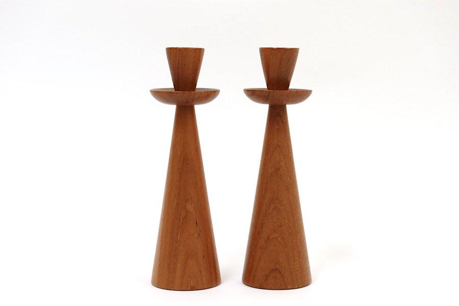スウェーデンの木製(チーク)のキャンドルスタンド2本セット
