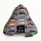<img class='new_mark_img1' src='https://img.shop-pro.jp/img/new/icons29.gif' style='border:none;display:inline;margin:0px;padding:0px;width:auto;' />EYL triangle coin purse (Fish Book)