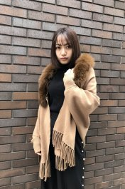 <img class='new_mark_img1' src='https://img.shop-pro.jp/img/new/icons20.gif' style='border:none;display:inline;margin:0px;padding:0px;width:auto;' />Fox Knit Cape<br>キャメル