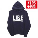 <img class='new_mark_img1' src='https://img.shop-pro.jp/img/new/icons15.gif' style='border:none;display:inline;margin:0px;padding:0px;width:auto;' />LIBE / BIG LOGO KIDS PARKER [ライブ] キッズサイズ パーカー NAVY