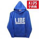 <img class='new_mark_img1' src='https://img.shop-pro.jp/img/new/icons15.gif' style='border:none;display:inline;margin:0px;padding:0px;width:auto;' />LIBE / BIG LOGO KIDS PARKER [ライブ] キッズサイズ パーカー BLUE