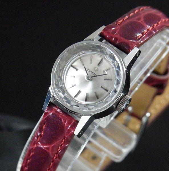 売り切れ 1966年 アンティーク オメガ カクテル Cal.484 レディース カットガラス 手巻き【OH済】