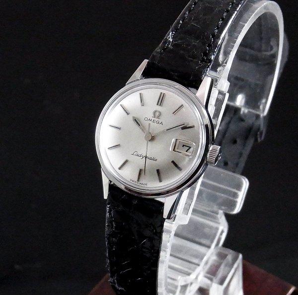 過去の名品達  売り切れ 1965年 アンティーク オメガ シーマスター レディーマチック  CAL681 レディース