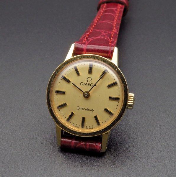 過去の名品達  完売 1974年 オメガ アンティーク cal625 ジュネーブ 手巻き レディース ゴールドキャップ【OH済】
